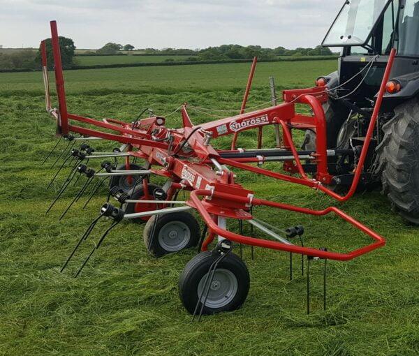 Enorossi Vortex 4 Rotor Tedder working in UK side profile