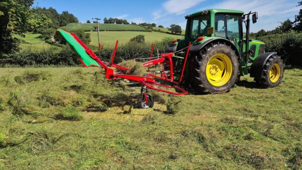 Enorossi Vortex 4 Rotor Tedder working with Headland Kit in the UK