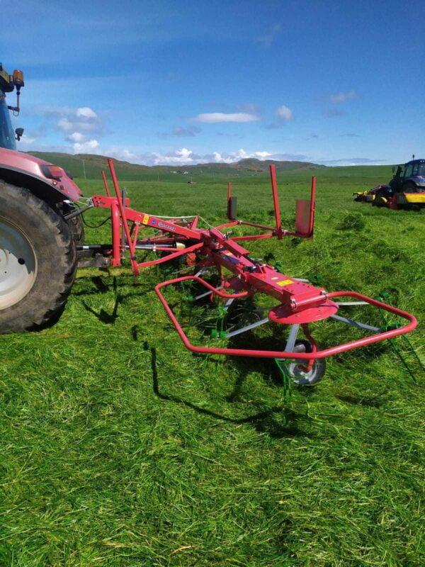 Enorossi Vortex 6 Rotor Tedder working in Scotland