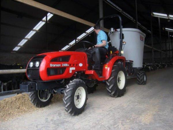 Jaylor A5050 Trailed Mini Mixer Wagon TMR behind tractor